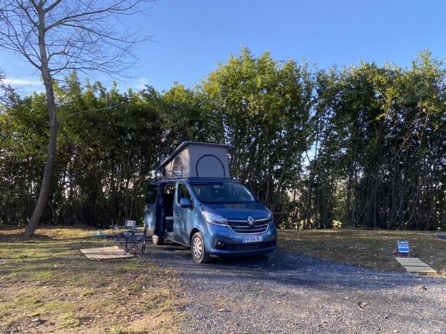 Aire camping-car à Gardères (65320) - Photo 2